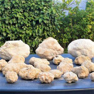 geode-quartz-cristal-roche-fermee-casser-ouvrir-mineraux-pierre-naturelle-cristaux