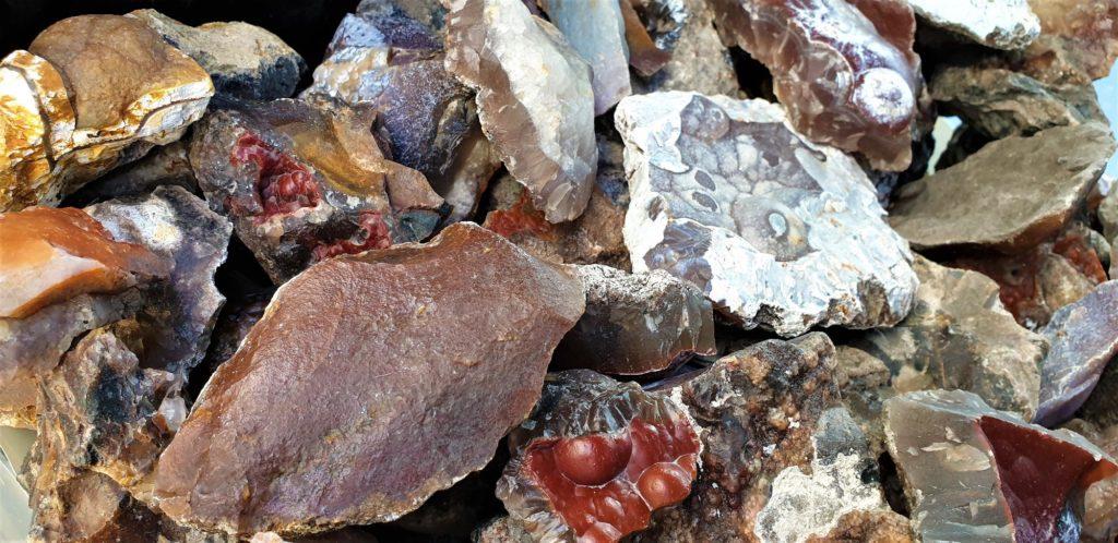 geode-saujon-france-quartz-calcedoine-trouver-acheter-silex-neolithique-mineraux-charente-santonien