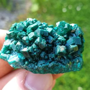 dioptase-congo-mineraux-brazzaville-rdc-pierre-precieuse-verte-emeraude